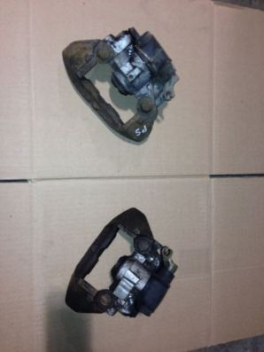 peugeot 205 1.9 Gti Pair Of Rear Brake Callipers With New Brake Nippels